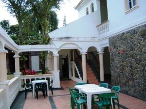 Hotel La Cueva teraza